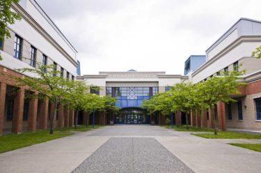 バーナビー教育区留学生プログラム/ Burnaby School District International Student Program