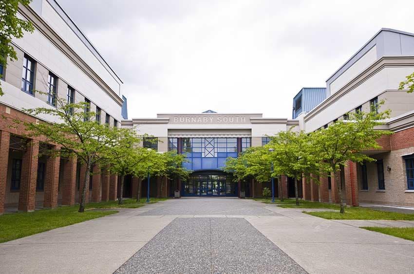 バーナビーサウス高校
