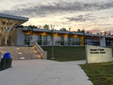 コモックスバレー公立学校留学生プログラム/ Comox Valley International Student Program
